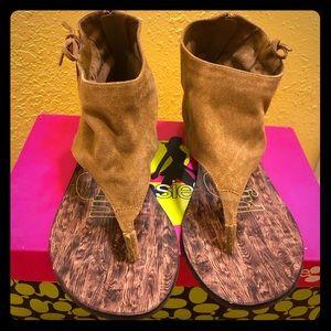 NIB Kensie Girl Sandals